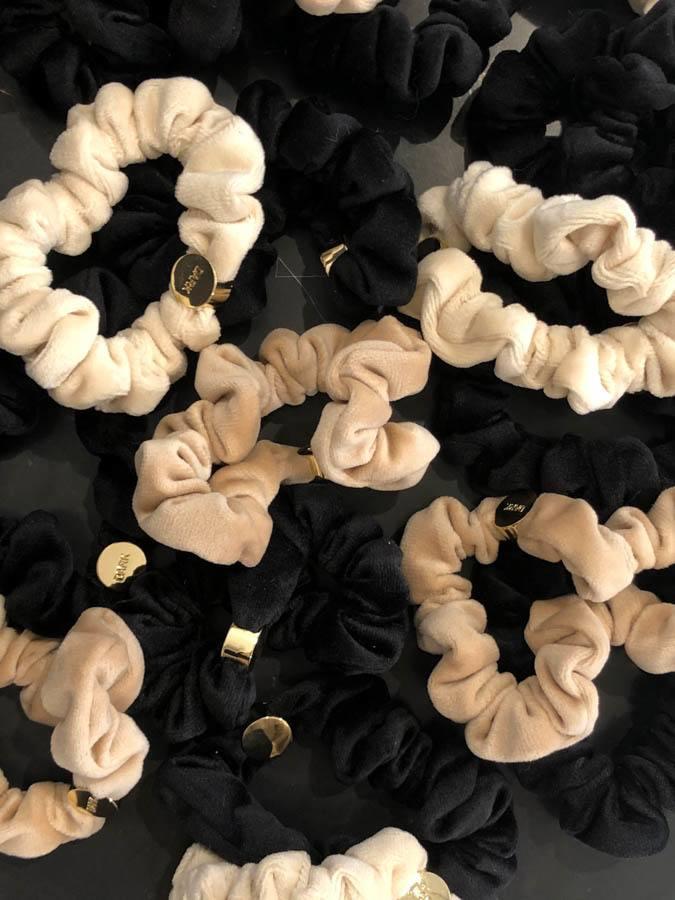 DARK Velvet Mini Scrunchie, Black