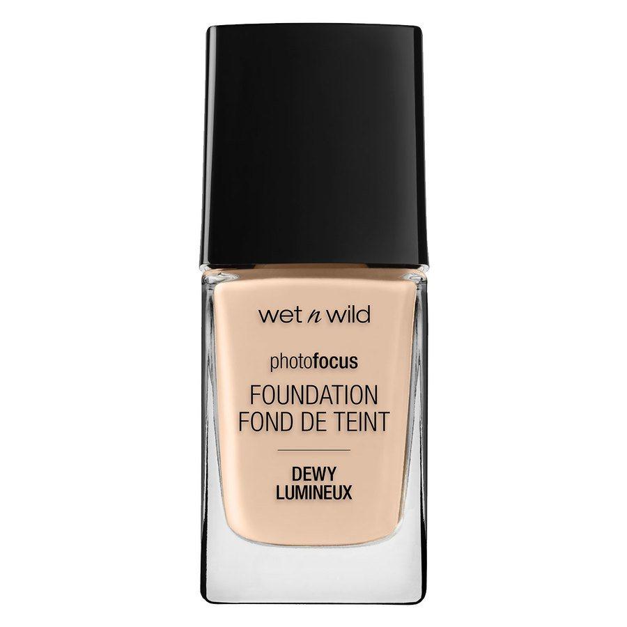 Wet'n Wild Photo Focus Dewy Foundation, Soft Ivory (28 ml)